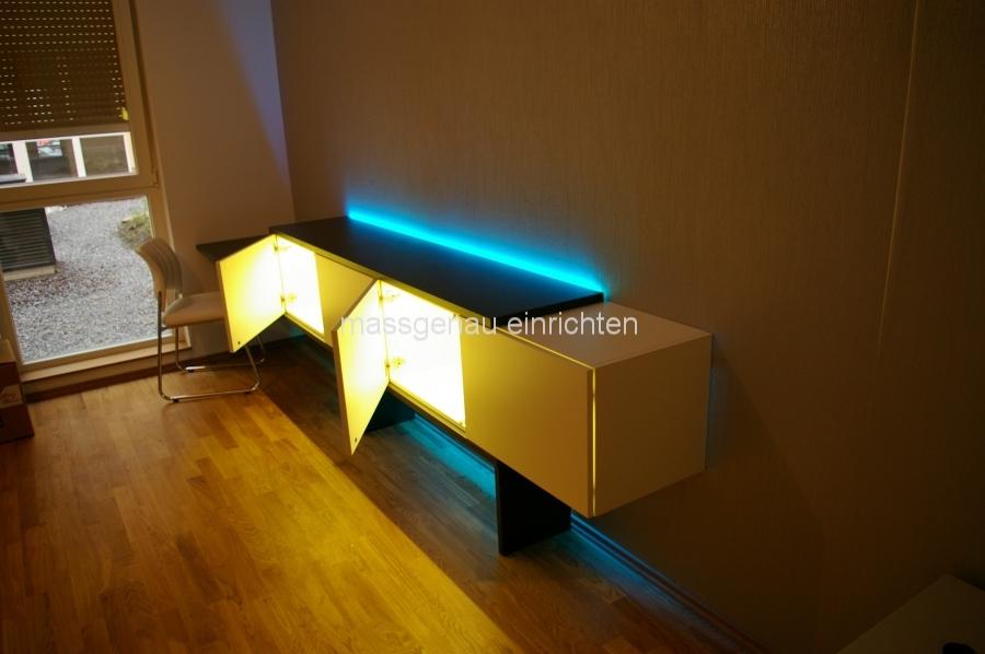 schrank led beleuchtung led beleuchtung im schrank with schrank led beleuchtung amazing. Black Bedroom Furniture Sets. Home Design Ideas