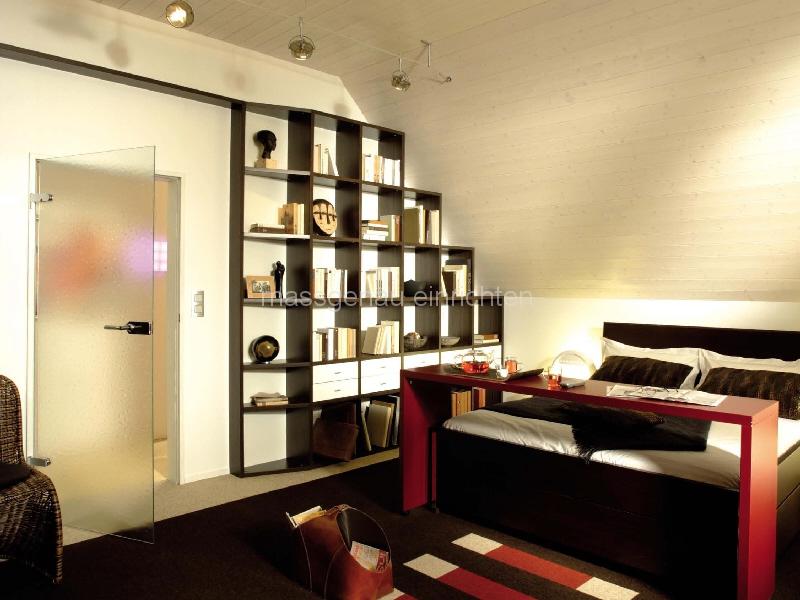 Dachschräge Möbel - Schrank und Regal für Ihre Dachschräge
