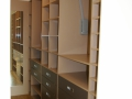 behehbarer Schrank mit Kleiderlift und Schuhfächern