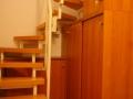 Stauraum unter der Treppe optimal genutzt mit einem Treppenunterschrank nach Maß
