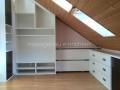 Möbel unter Dachschräge
