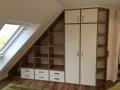 Schrank-in-Dachschräge