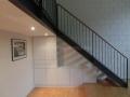 Schrank-unter-Treppe-Maßanfertigung