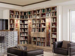 Bibliothek mit Leiter zum verschieben